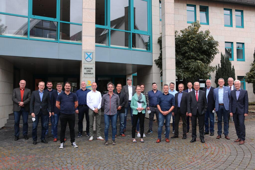 Gruppenfoto der Netzwerkteilnehmer und -partner (WFG HSK mbH)